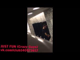 Spy guy pissing us big член хуй ссыт penis cock pee public