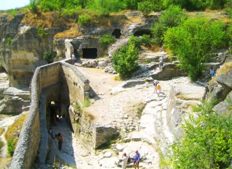 Крепостной город иудеев – Чуфут-Кале и Успенский монастырь, изображение №23