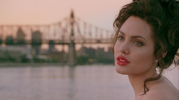 Художественные фильмы о моде и стилях «Джиа» 1998Биографическая драма, повествующая о жизни и смерти знаменитой в 1970-е годы фотомодели и манекенщицы Джии Мари Каранджи. Фильм основан на её