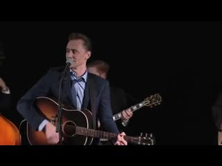Tom hiddleston singing why dont you love me