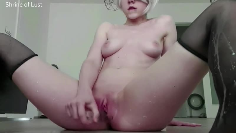 Young Girl Stretching Pussy