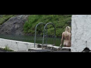 Maika monroe nude - bokeh (2017) full hd 1080 watch online / майка монро - боке