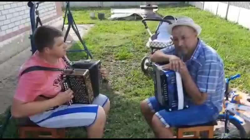 Первый импровизированный уличный концерт на Нижегородке Волкова Большое Болдино Солирует Нижегородская гармонь