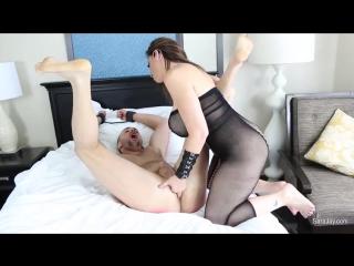 Sara jay sara pegs a sub [milf femdom foot fetish strapon]