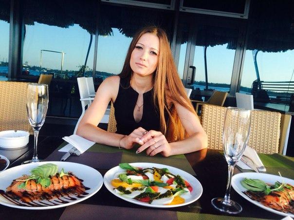 Ольга Чекмарева, Никополь, Украина