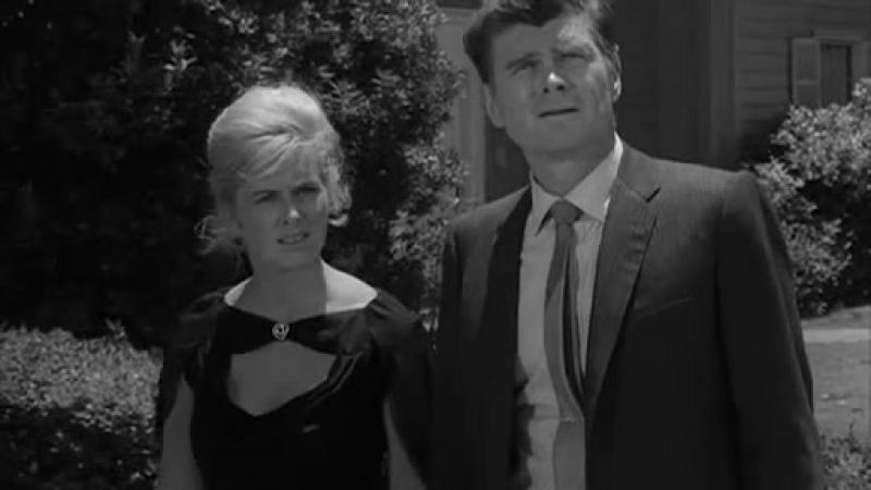 Twilight Zone Dimension Desconocida 5x30 Stopover Quiet Town Parada en un Pueblo Tranquilo Latino b n