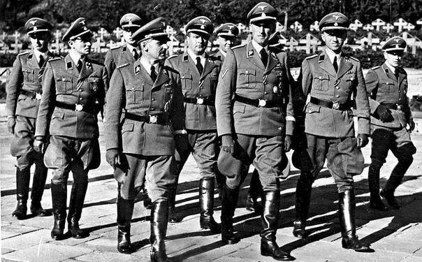 Гестапо - Тайная полиция Гитлера (1991) Оригинальное название: Gestapo: Hitler`s Secret PoliceГод выпуска: 1991Жанр: документальный, военныйПродолжительность: 00:51:14Производство: СШАРежиссер: