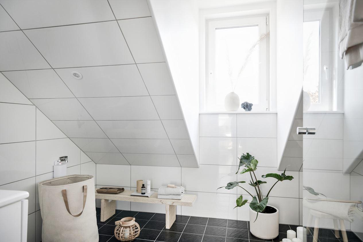 Интерьер маленькой скандинавской мансарды 23 кв.