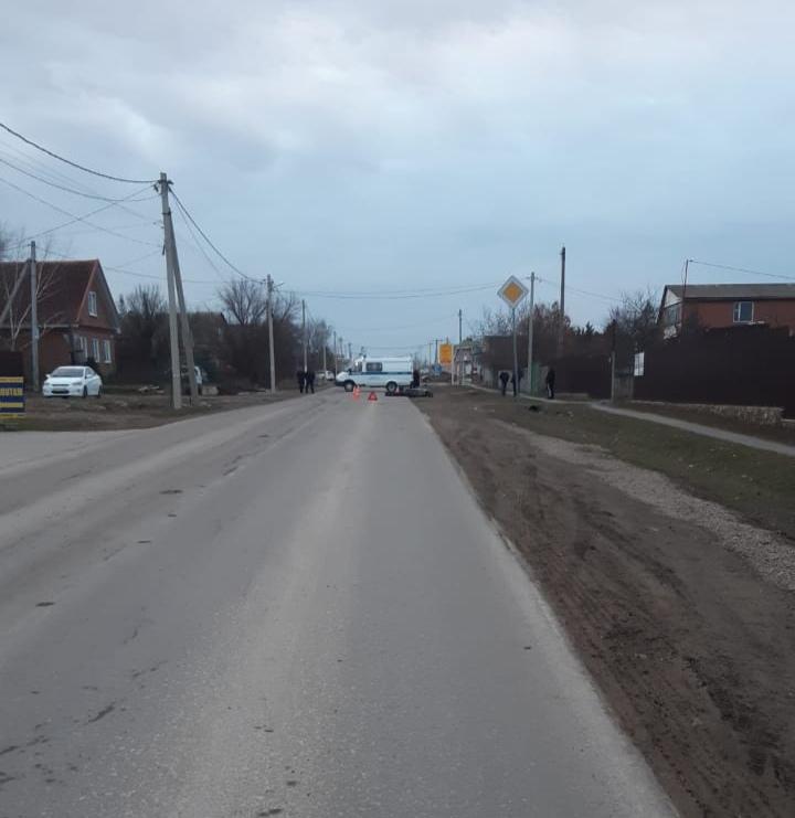 Под Таганрогом в селе Николаевка в результате столкновения «КАМАЗА» и скутера погибла женщина