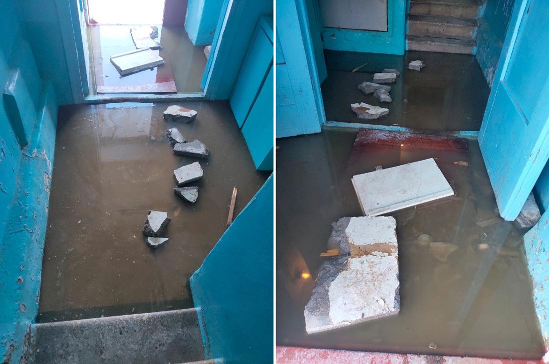 В подъезде многоквартирного дома на улице 60 лет Октября в Кимрах плавают нечистоты