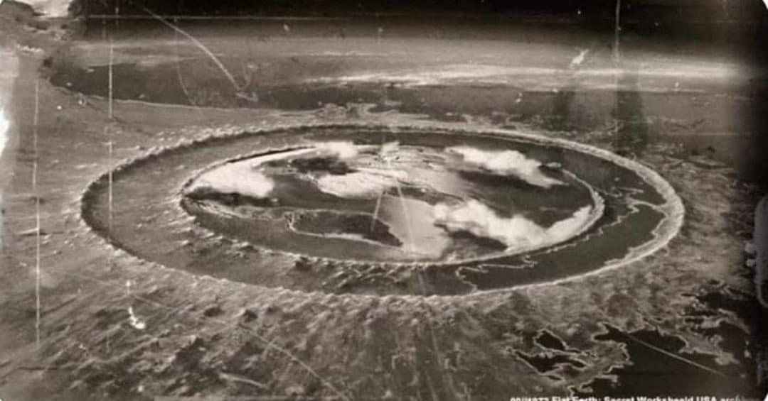L'Histoire Perdue De La Terre Plate  EEZEr2b2me4