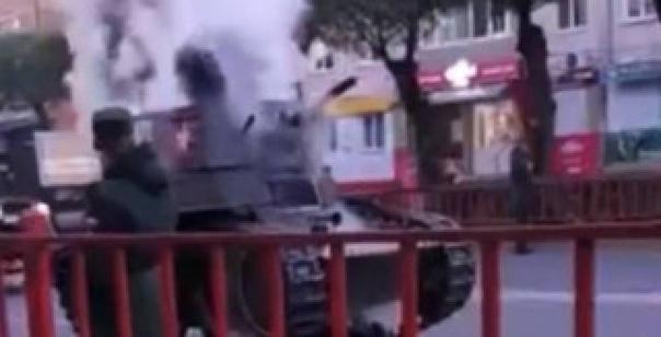 В Приморье на улице загорелся танкВУссурийске прошла реп...