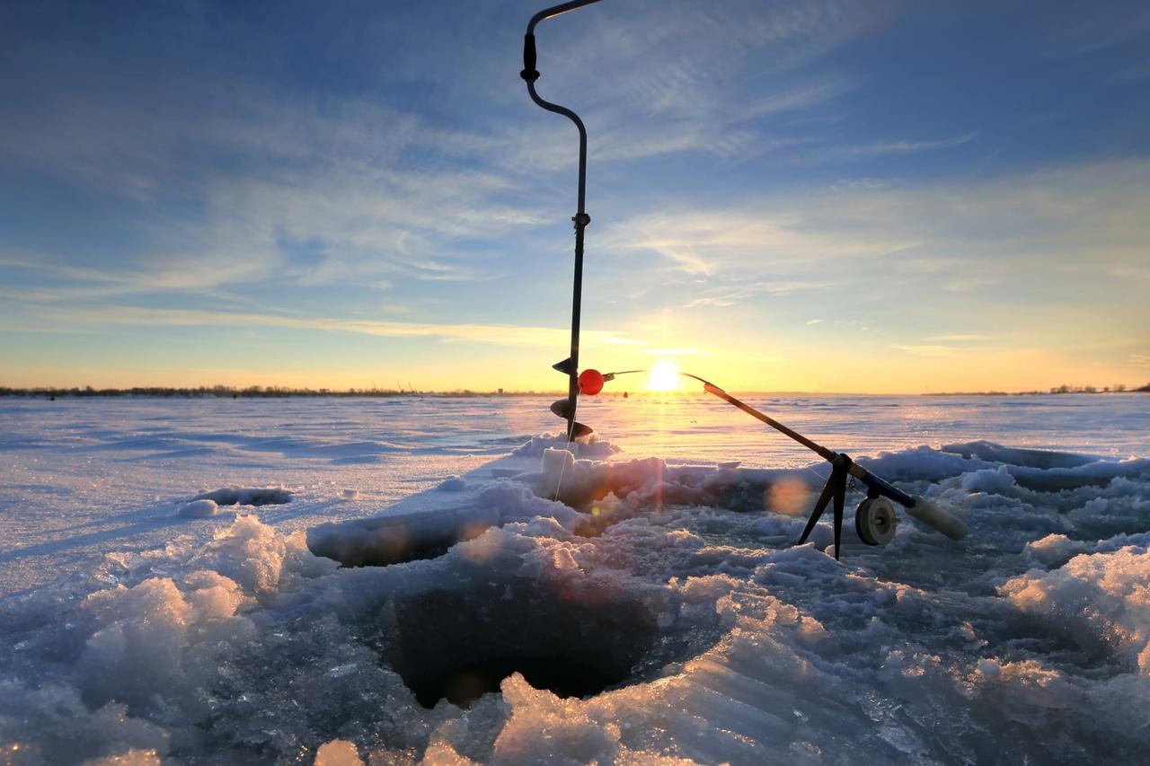 Инсульт на рыбалке. Помощь экстренных служб понадобилась жителю с. Лешуконское
