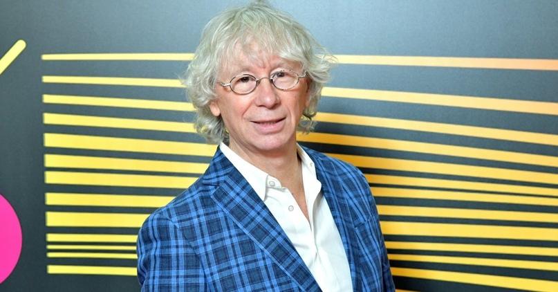 📅 8 февраля 1953 года родился Аркадий Укупник российский композитор, поп-певец и...