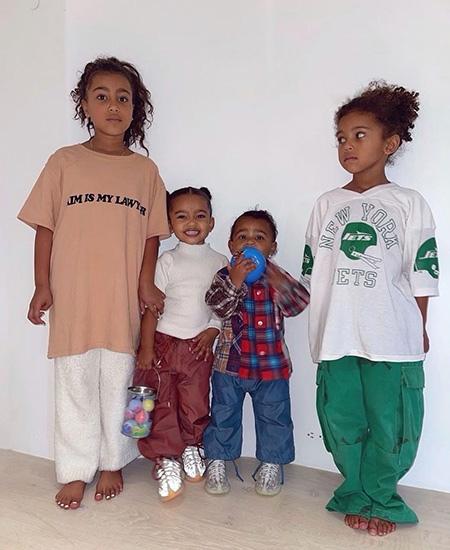 В полном составе: Ким Кардашьян показала подросших детей
