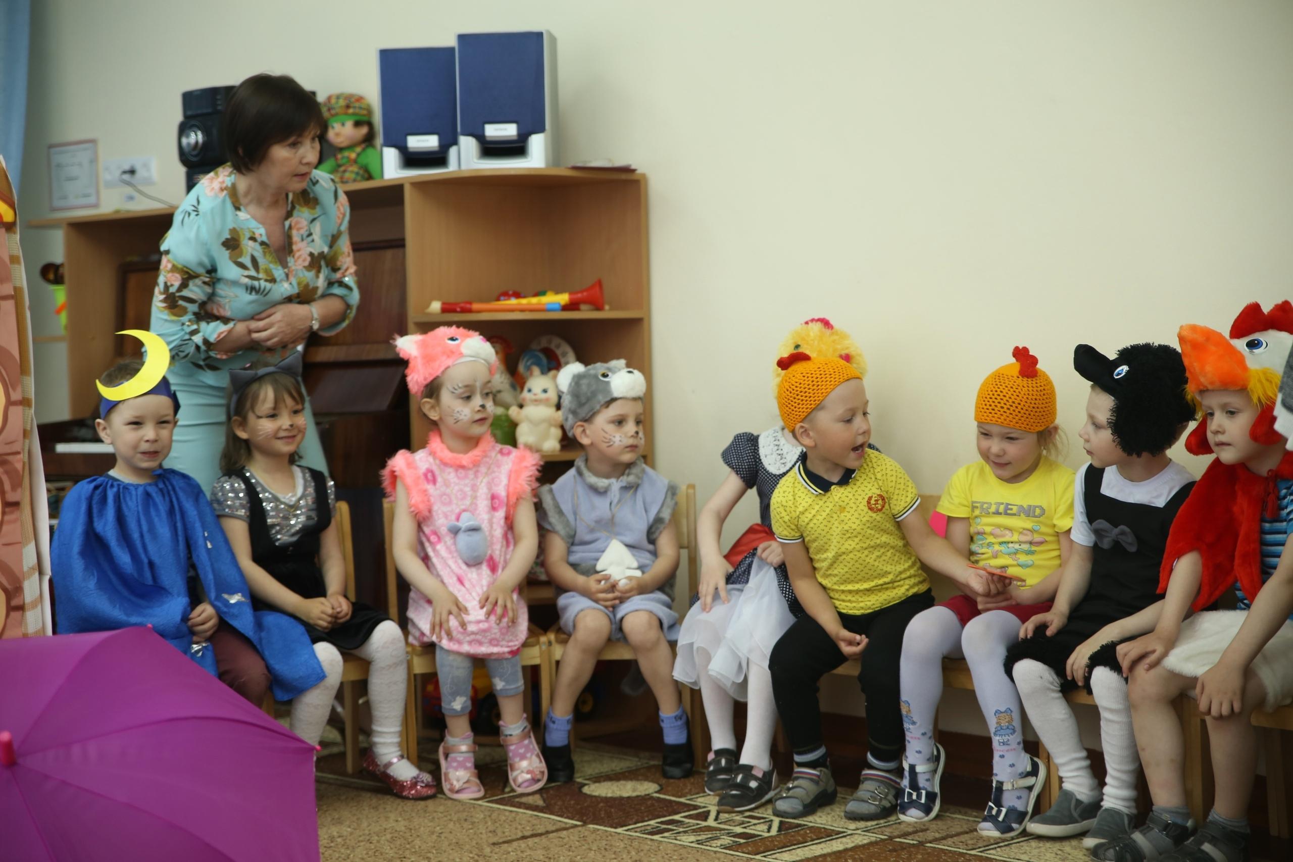 Друзья, сегодня День воспитателя и дошкольного работника.