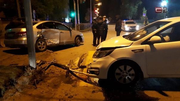 В Сургуте за день произошло два ДТП с травмамиВ Су...