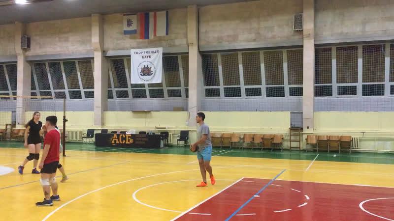 Тренировки в Мед Универе большой зал