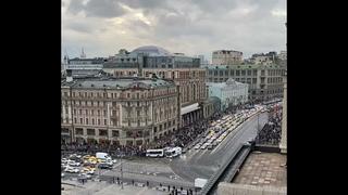 В Москве людей становится всё больше.