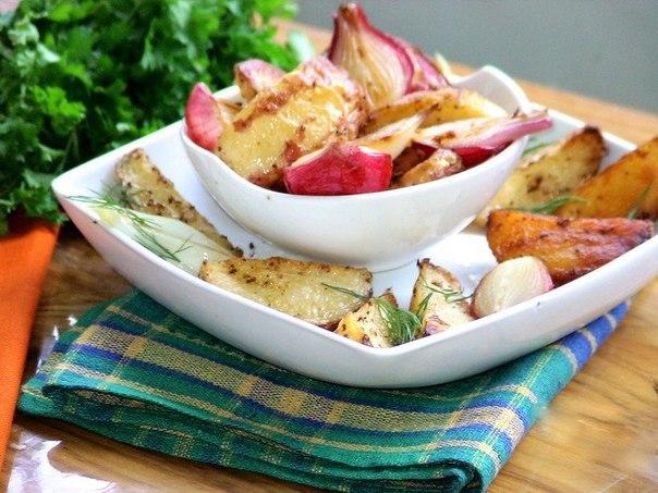 Пряный картофель Бомбей Что нужно: Картофель 1 кгПерец (мельница) 1/8 ч. л.Оливковое масло 3 ст. л.Французская горчица ( или семена горчицы) 3 ст. л.Зира ½ ч. л.Гарам масала 1 ст. л.Чили- ½ ч.