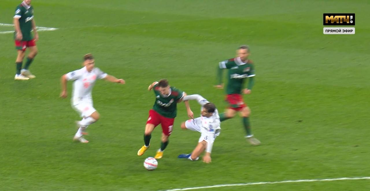 Локомотив - Бавария, 1:2. Фол Мартинеса на Миранчуке