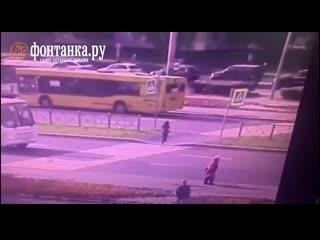 Появилось видео со сбитой эвакуатором школьницей на Гражданском