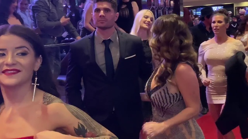OutFits from the AVN 2020 Red Carpet